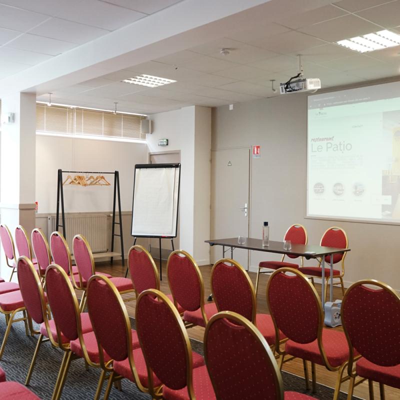 Salle de séminaire Poitiers M4